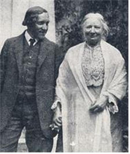 당시의 연애관에 지대한 영향을 끼쳤던 엘렌 케이(오른쪽)