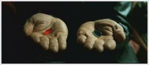 영화 매트릭스에서 모피어스가 네오에게 빨간 약과 파란 약을 주고 있다