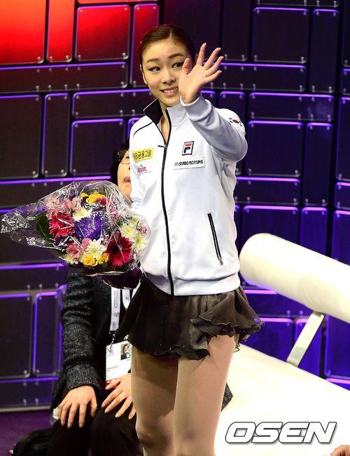 김연아 세계선수권 우승 찬양 개드립 모음