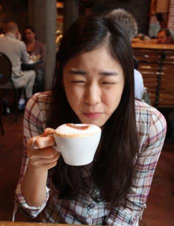 커피가 쓴 다른 여왕님