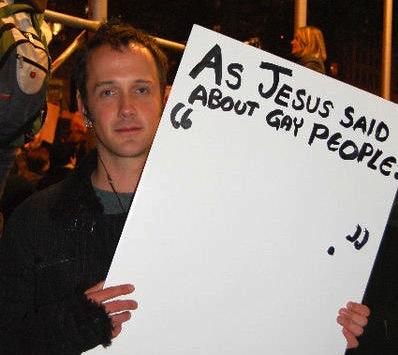 """""""예수님은 게이에 대해 아무 말도 하지 않았다."""""""