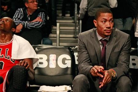 NBA는 경기에 뛰지 않는 선수들에게 정장을 착용하도록 규칙을 세웠다. 흑인들의 영웅인 그들이 사회에서 모범적 이미지를 보여야 한다는 이유에서다.