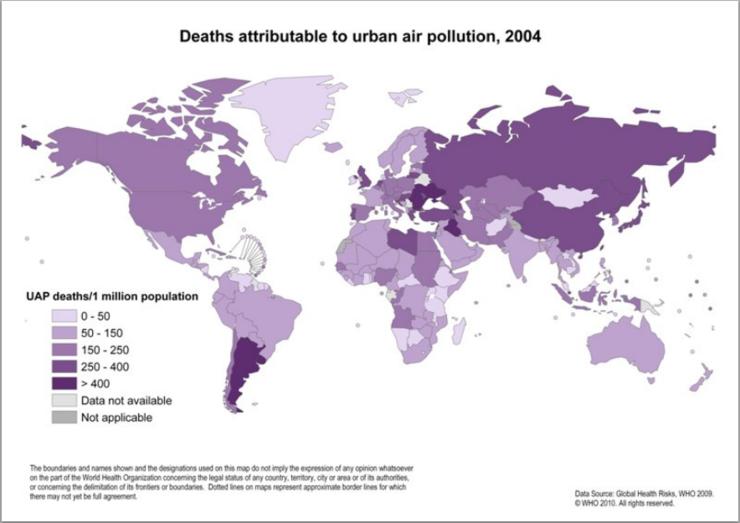 WHO 가 2004 년 추정한 도시 대기 오염과 사망자 수의 관계. 주로 자동차에 의한 도시 대기 오염으로 인한 사망자는 이 때 연간 120 만명이라는 추정이 나왔음. 생각보다 중국이 높지 않게 나타난 이유는 국가별 사망자 수가 아니라 인구 100 만명당 사망자 수로 나타냈기 때문.  Credit : WHO  http://www.who.int/heli/risks/urban/urbanenv/en/