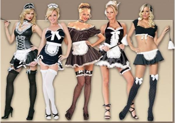 """란제리숍 등에서 볼 수 있는 """"메이드복"""" 통상적으로 이러한 형태의 메이드복을 French Maid라고 하는데, 여기에는 """"프랑스인들을 경박하다""""고 여기는 차별적인 인식이 내포되어 있다."""