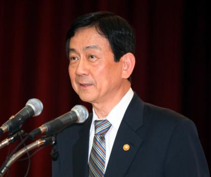 사퇴의사를 밝힌 진영 보건복지부 장관.