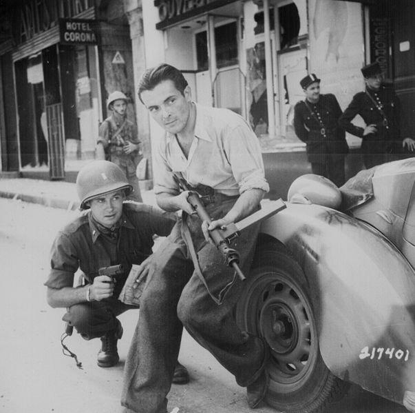 ▲ 영국군은 스텐 기관단총을 유럽 레지스탕스에게 대량으로 지원했다