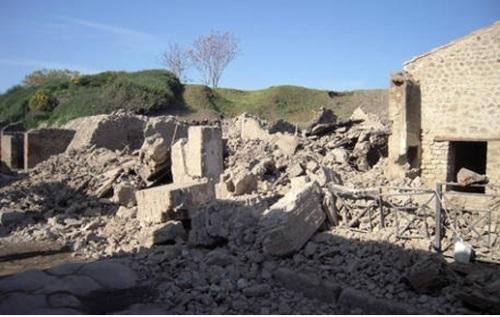 붕괴된 폼페이 '검투사의 집'