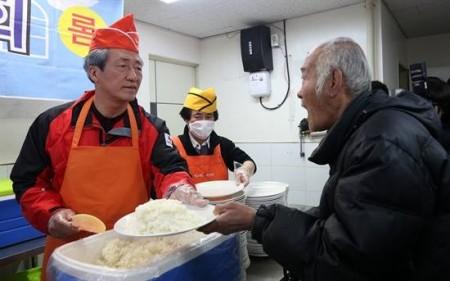 정몽준식 배식에서 배우는 쌀밥의 문제점