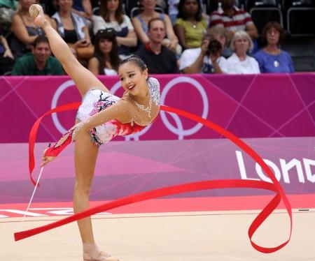 아무리 한국에서 올림픽이 열려도 손연재가 카나예바를 이긴다면 뭔가 말이 안 돼 보이잖아요?
