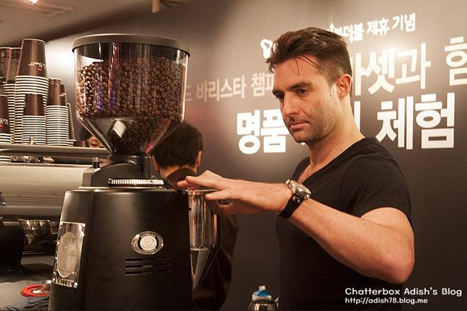 [폴 바셋] '세계 최고의 커피를 먹는다'는 착각