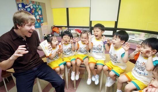 미취학 자녀에게 영어를 가르치면 안 되는 이유