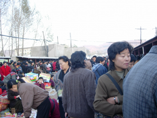 북한 장마당