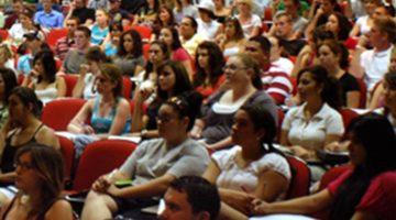 대학 내 무분별한 영어 강의를 반대한다
