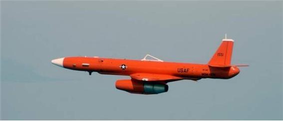 MQM-107 스트리커 고속표적기. 이걸 쏘아올린 뒤 유도탄으로 요격하는 용도이며, 워싱턴 프리 비콘에 따르면 이것을 북한은 개조해 무인 공격기로 만들었다.