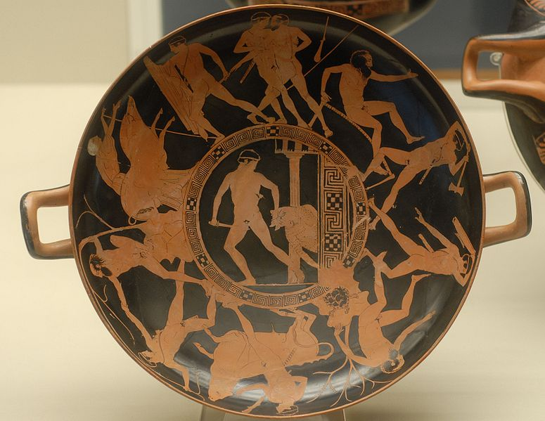 미궁 속으로 들어가 미노타우르스를 살해하는 테세우스. 고대 그리스의 화병 그림. 대영박물관 소장.