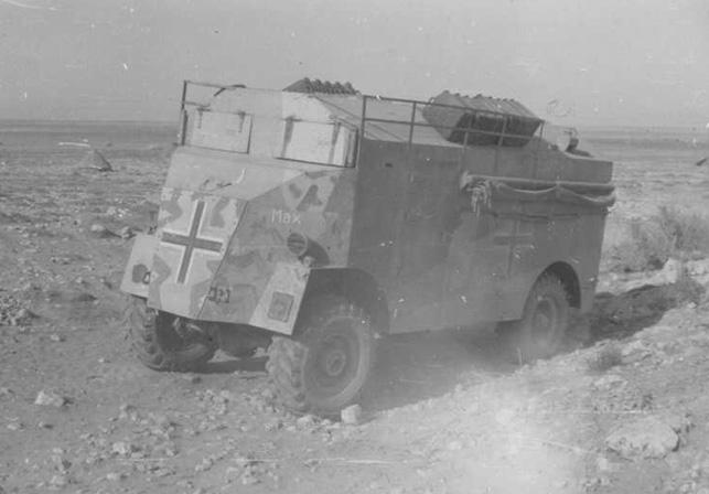 """독일군 아프리카군단 사령관, 롬멜의 지휘차량 """"맘모스[mammoth]"""". 원래 이 차량은 영국군의 도체스터 트럭으로, 그가 처음 북아프리카에 왔을 때 영국군으로부터 노획한 것이다. 전황이 영국군 쪽에 유리하게 바뀌자, 영국군은 어떻게든 이 차를 되찾아오기 위해 혈안이 됐다. 하지만 1943년 5월 11일, 롬멜의 후임 폰 아르님 대장은 영국군에 항복하기 직전 남은 가솔린을 몽땅 모아 이 차량을 불태워 버렸다."""