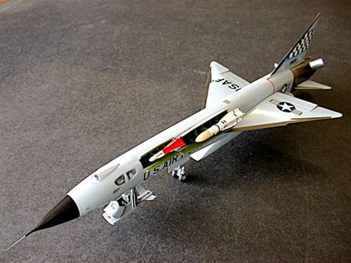 음속의 3배를 내는 환상의 요격기, XF-103