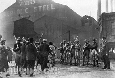 (미국도 영국도, 이런 노조의 파업이 많았고, 또 군경을 이용해서 잔인하게 탄압했습니다.)