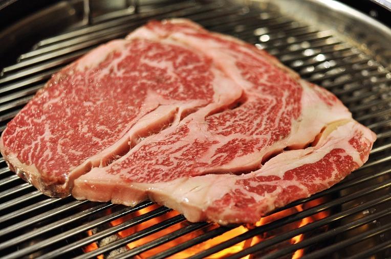 고기를 맛있게 굽는 방법을 알아보자