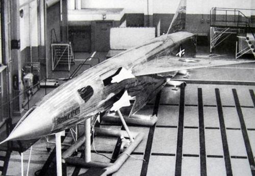 [ XF-103의 무장개념을 보여주는 사진 ]