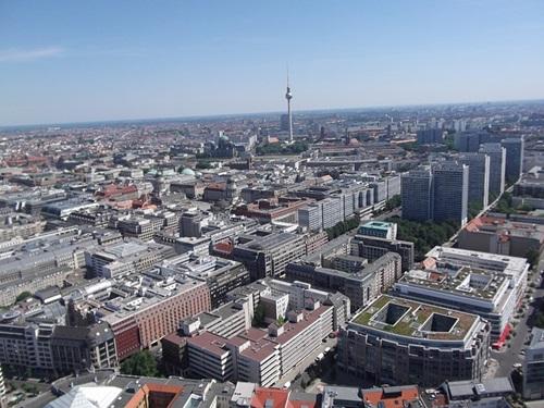 베를린에서 생각하는 엘리트와 대중