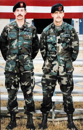 영웅으로 남은 랜디(좌)와 게리(우)