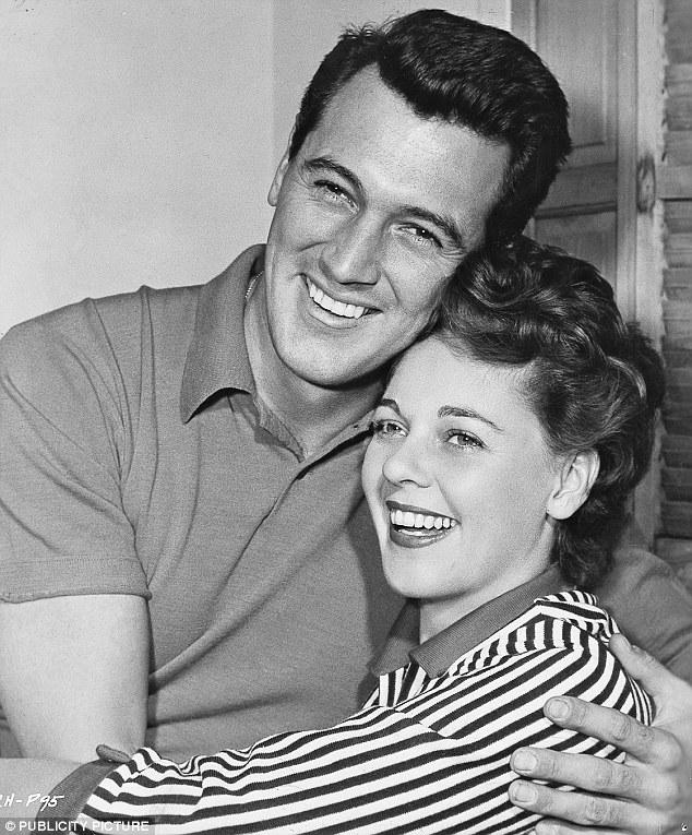 록 허드슨과 아내의 행복한 한때.