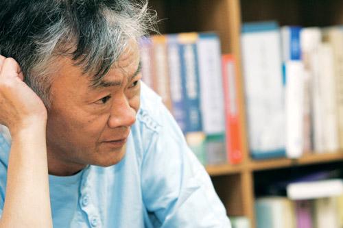 """김훈의 글로 살펴본 """"보고서 쓸 때 지켜야 할 문장의 원칙"""""""