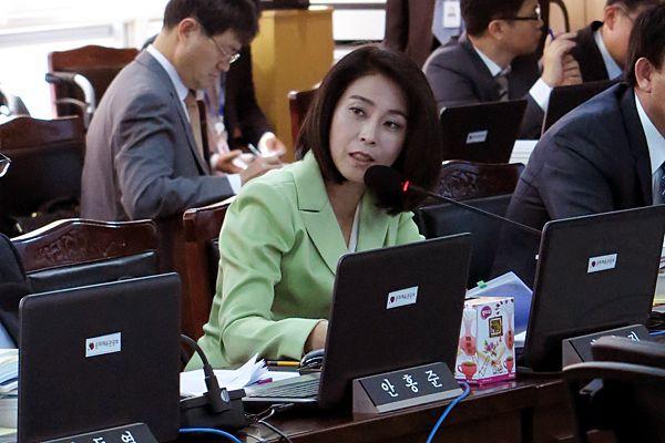 """신의진의 유체이탈 """"수입게임 위주 e스포츠 문제"""""""