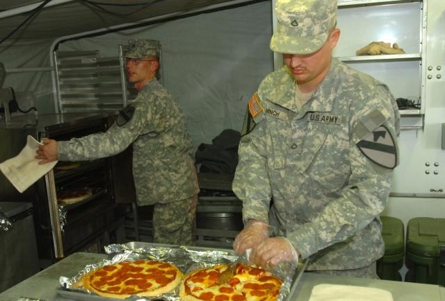 지금까지도 미군에게 사랑받는 피자