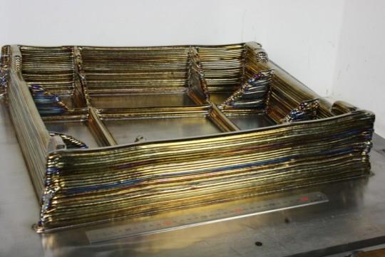 금속 재료를 층층이 쌓아 프린팅한 3D프린트 구조물
