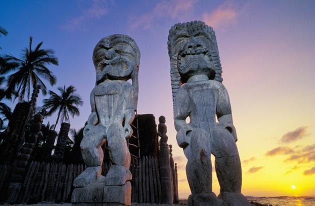 하와이 원주민들은 정치적으로 복잡한 다신교 사회를 진화시켰지만, 최고신을 믿지는 않았다.