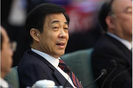 보시라이.  분배를 강조하는 발언을 여러차례 해서 가난한 중국 서민들에게 호응을 얻었다