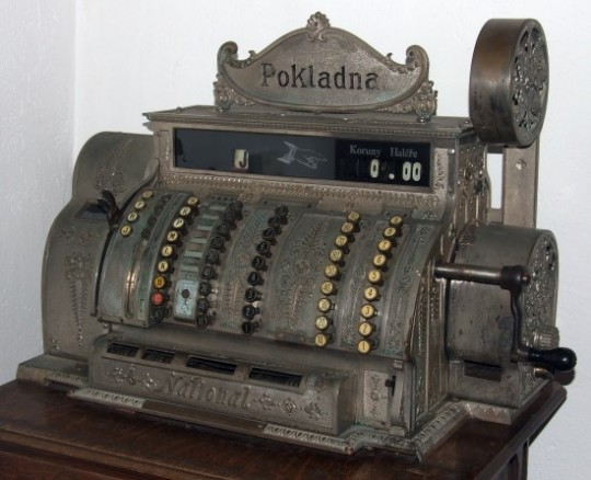 Cash_register,_built_1904_in_Ohio