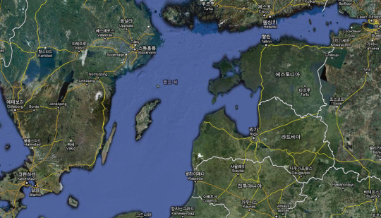 지도 위쪽의 헬싱키 바로 밑에 있는 탈린이 당시의 레발 항구입니다.