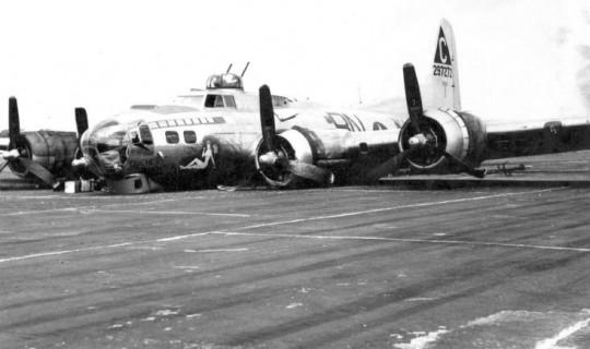 착륙사고를 낸 A B-17