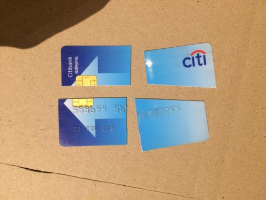 안녕 7년이란 시간 동안 항상 내 곁에 있어준 국제 현금 인출 카드여