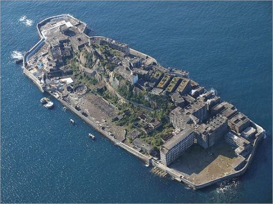 ▲ 군함도라고도 불린 하시마. 이 섬의 해저탄광은 조선인 노동자에게 '지옥섬'이었다.