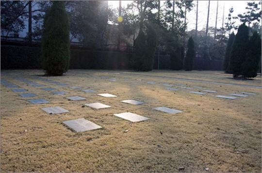 ▲ 만국공묘. 지금은 송칭링능원이 된 이 묘지에도 상하이 임정 13년의 자취가 남아 있다.
