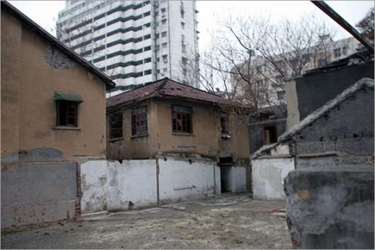▲ 리지샹 2호의 위안소의 현재 모습. 장수성의 '문물보호단위'로 지정된 유적은 수리 중이었다.