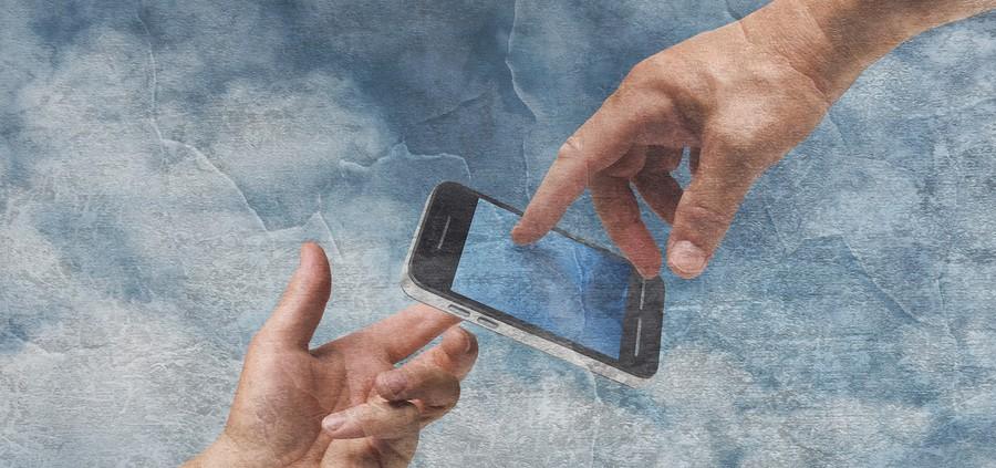 10년 전 사람들이 스마트폰을 본다면 '신'이라 여길지도 모른다