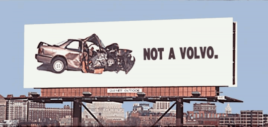 ▲안전을 강조한 볼보의 광고판