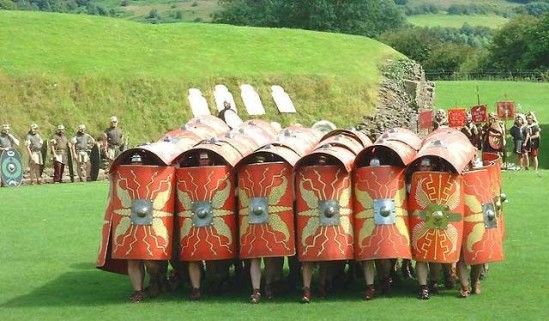 Legionarios_romanos_formación_tortuga