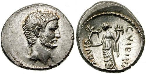 동전에 새겨진 마르쿠스 안토니우스입니다. 역사를 공부하다 보면 재미있는 것이, 뛰어난 인물의 곁에는 더 뛰어난 인물이 있어서 그의 앞을 막기도 하고 열여주기도 합니다. 로마의 최고 위인 중 한 명인 옥타비아누스(아래 사진참조)가 그의 정적이었다는 것이 불행이었죠.