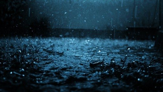 close-up_drop_black_blue_rain_4502_1920x1080