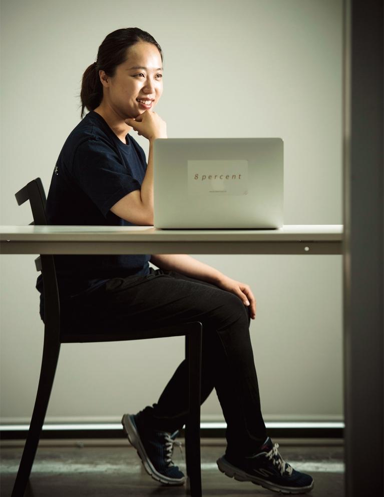 하라는 야근은 안 하고 폼 잡고 있는 이효진 대표 (출처: 포브스 코리아)