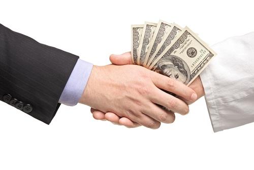 money_handshake_1334775701