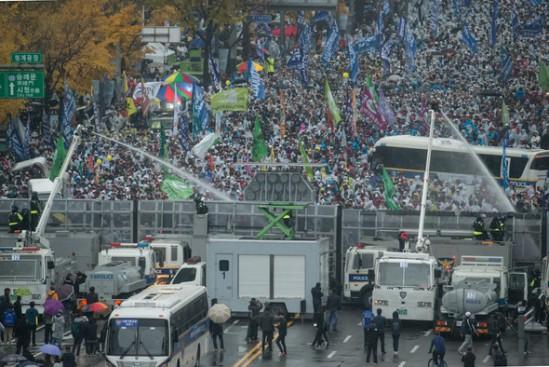 11월 14일 집회 당시(출처: 한겨레)