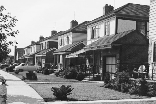 1950s-suburb