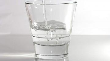 아뇨, 당신은 하루에 8잔씩 물을 안 마셔도 됩니다